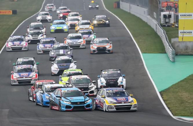 TCR lenktynių automobilių era ateina į Baltijos šalis
