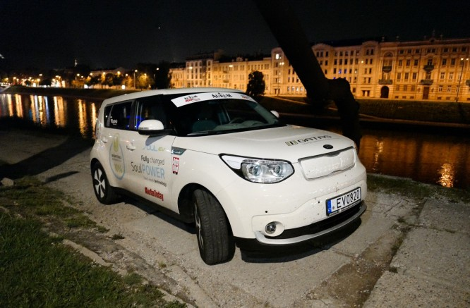 A New Lithuanian record: 1000 km by Electromobile in 21 h 33 min