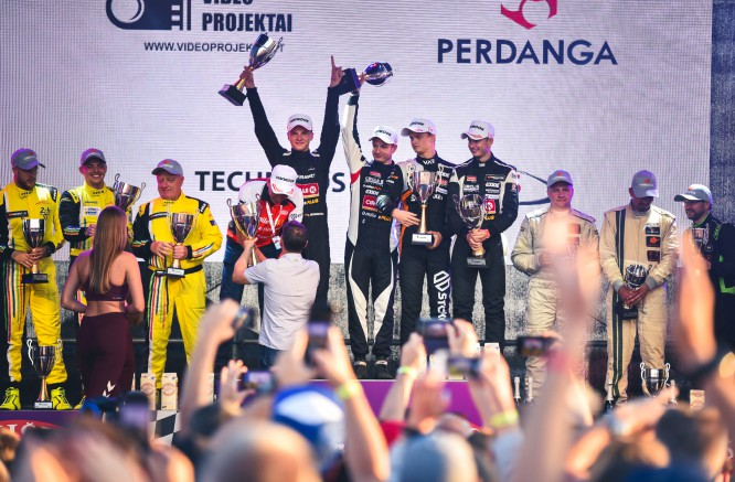 """The big round of applause for  """"Circle K milesPlus Racing Team"""""""