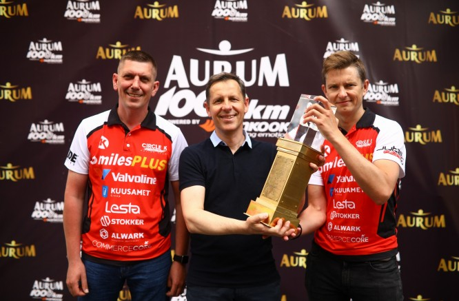 """""""Aurum 1006 km powered by Hankook"""" lenktynių įžanga – sostinės Gedimino prospekte"""